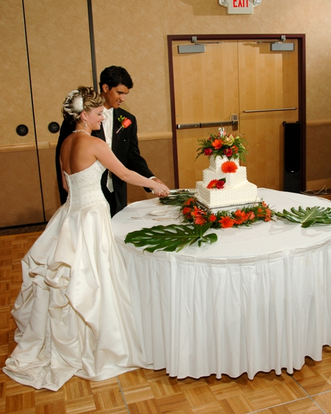 Hawaiian flower wedding testimonial
